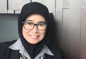 Sri Mulyani, Rektor Perempuan Pertama Unsika