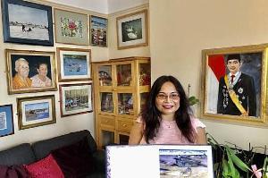 Sunarni Puji Lestari Promosikan Indonesia Lewat Lukisan