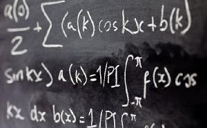 Pakar Ini Sebut Siswa Perlu Eksplorasi Matematika dengan Teknologi