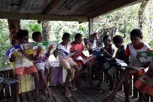 Pengabdian Melawan Buta Aksara di Tanah Papua