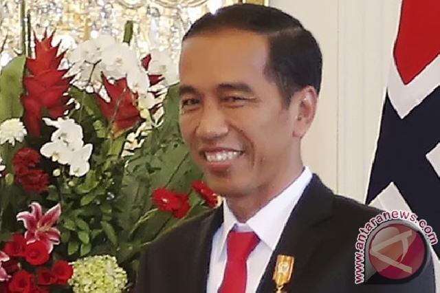 Presiden Jokowi Minta Tinjau Ulang Aturan Masa Studi,UKT