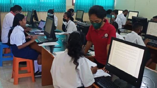 Dua SMP di Mapitara Ikut Simulasi ANBK di SMPK Frater Maumere